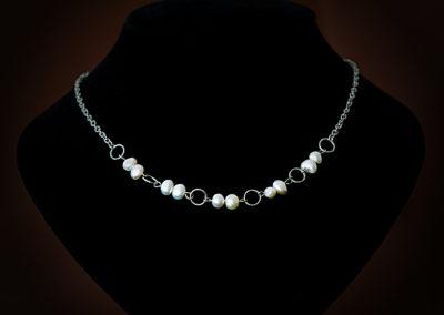 Náhrdelník - chirurgická ocel s říčními perlami